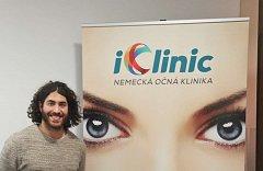 Augenlaser operation iClinic der kanadische Eishockeyspieler Mathew Maione 9
